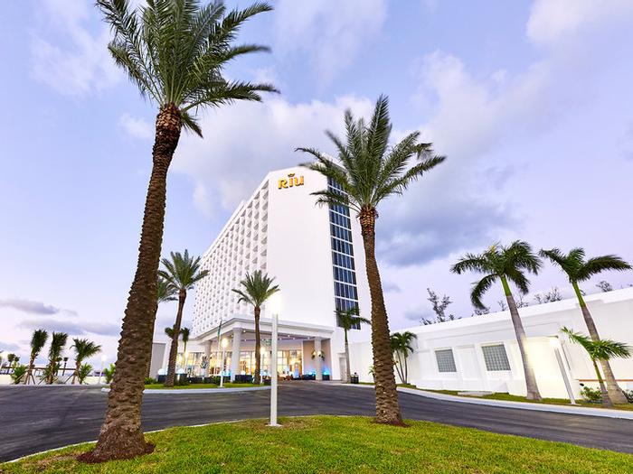 Hotel Riu Palace Paradise Island Buchen Paradise Island Ab In Den Urlaub De